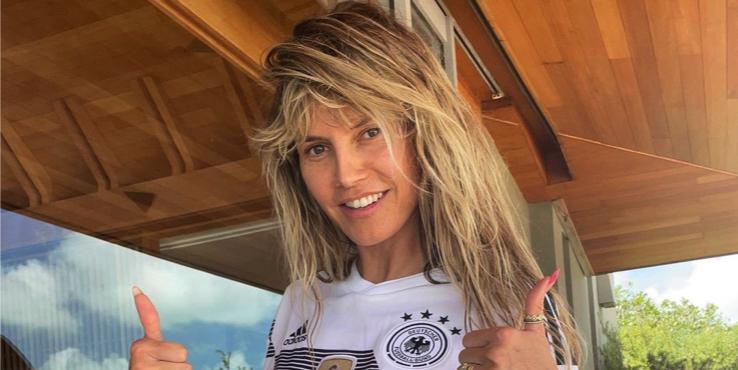48-летняя Хайди Клум снялась топлесс в фотосессии на отдыхе