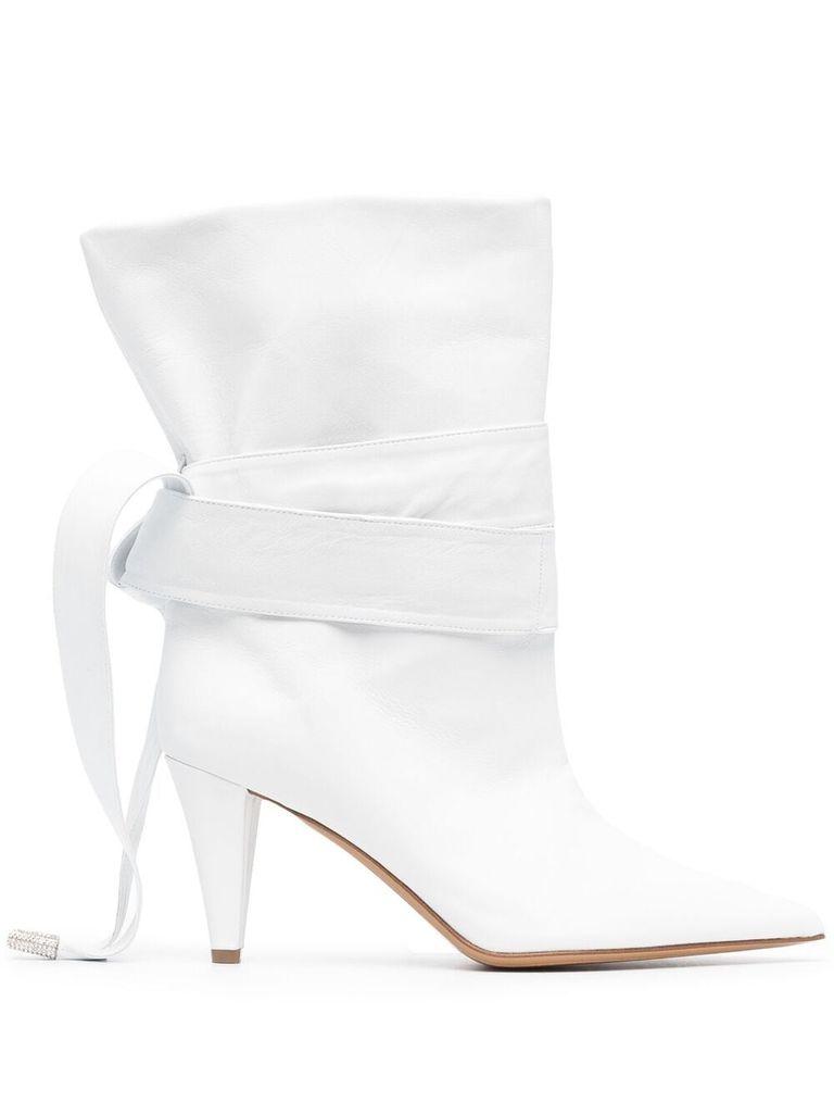 Белые ботинки: 16 стильных пар, которые разнообразят ваш гардероб