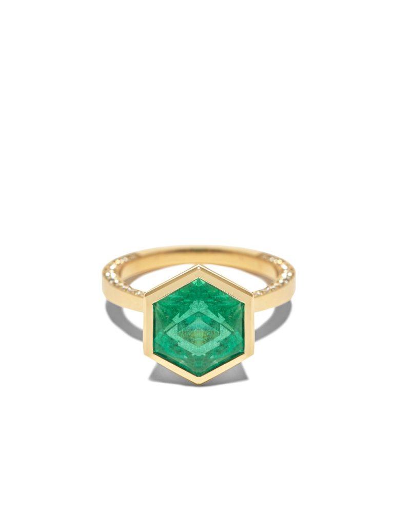 Помолвочные кольца с изумрудом: Самые необычные варианты