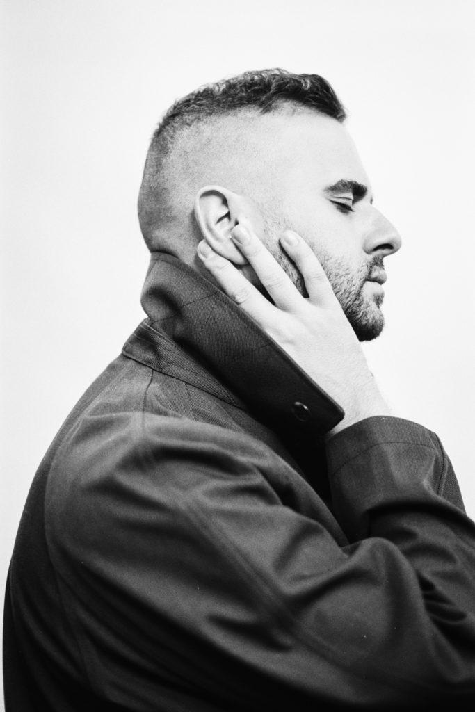 В балансе: Интервью с писателем Эльчином Сафарли