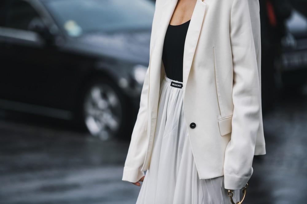 Как одеваться в жару: полезные советы для тех, кому нужно в офис