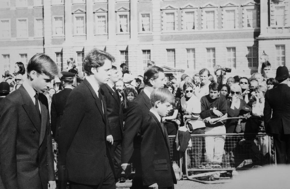 Принц Гарри вновь нанес удар по репутации королевской семьи