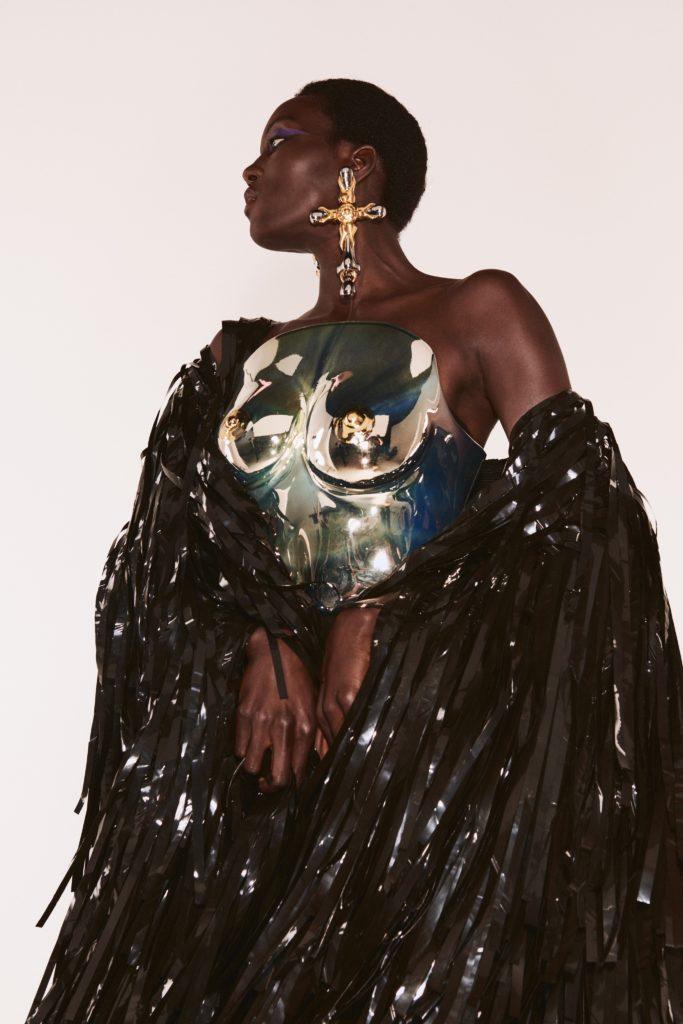 Schiaparelli открыли Неделю высокой моды в Париже