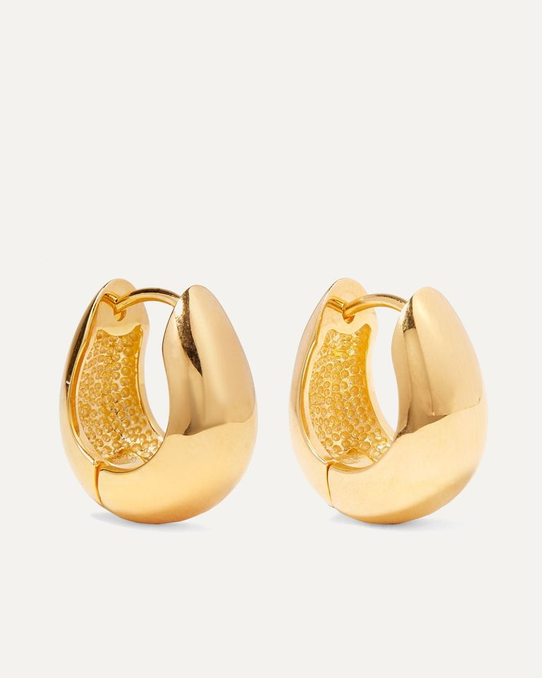 Где найти серьги-кольца, которые никогда не выйдут из моды?