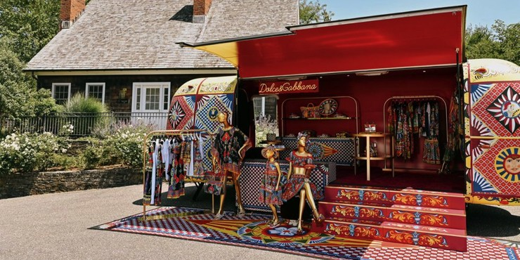 Dolce & Gabbana открыли передвижной поп-ап-магазин в США