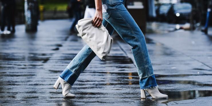 Как одеться в дождливую погоду летом: 3 формулы успешного образа