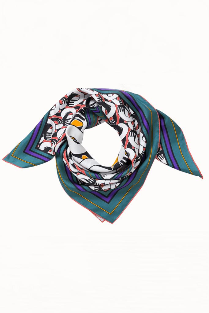 Шелковые платки вместо топа - главный тренд уходящего лета