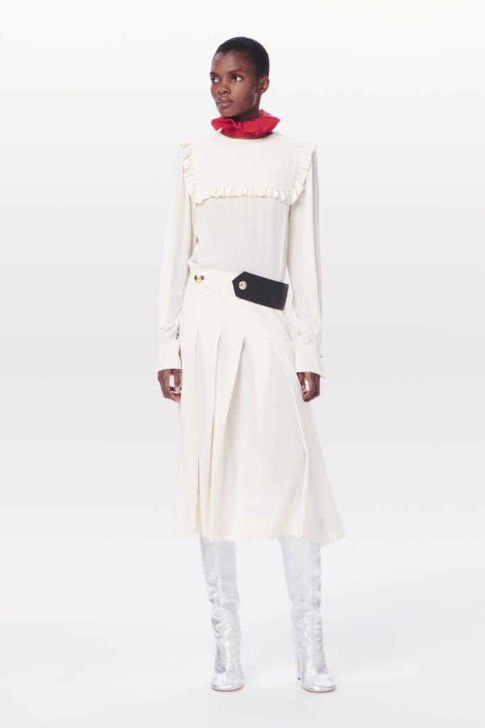 Проклятье белого платья: Виктория Бекхэм косплеит куклу из фильма ужасов