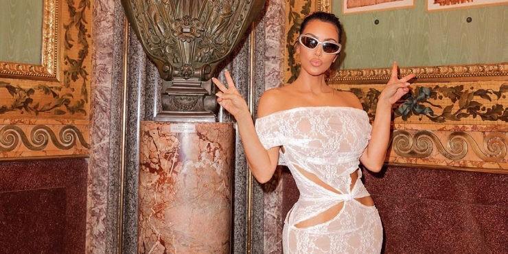 Начало пути: Ким Кардашьян показала свою первую фотосессию