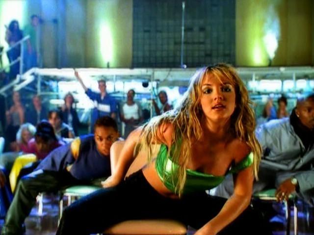 Ребел Уилсон - новая Бритни Спирс: косплей актрисы вызвал переполох в сети