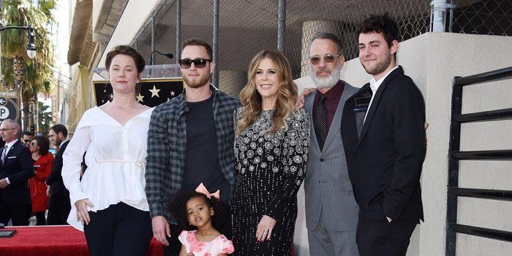 Сын Тома Хэнкса учинил скандал вокруг вакцины от Covid-19