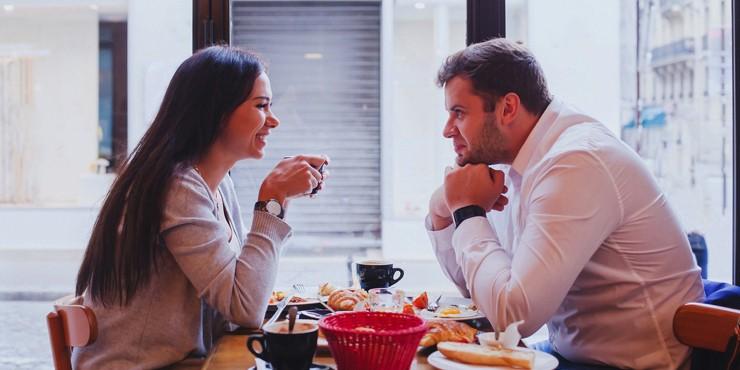 Почему первое свидание лучше проводить за чашкой кофе?