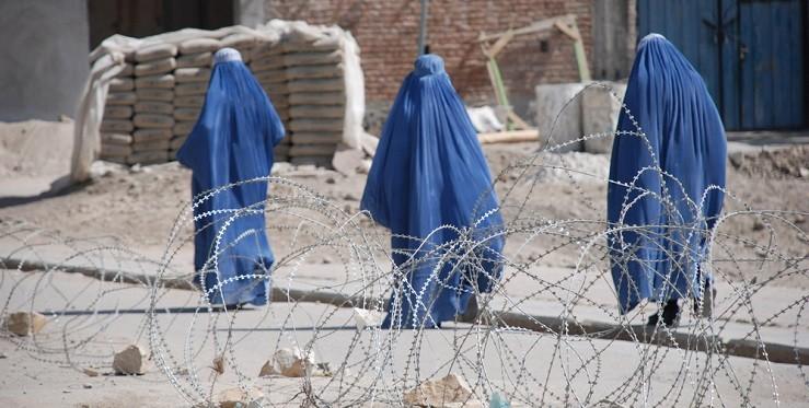 Власть талибов: как теперь будут жить афганские женщины и девочки?
