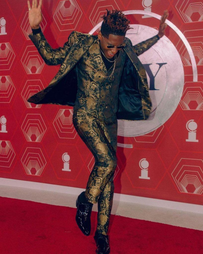 Премия «Тони - 2021»: лучшие наряды знаменитостей