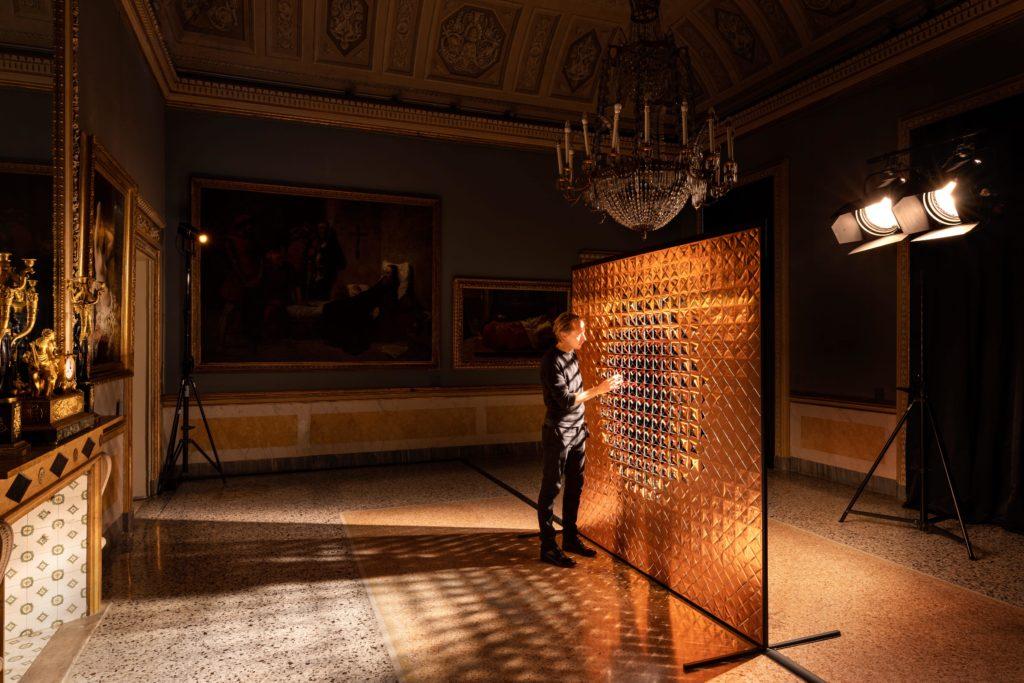 """На Миланской Неделе дизайна BVLGARI представили выставку """"Метаморфозы"""""""