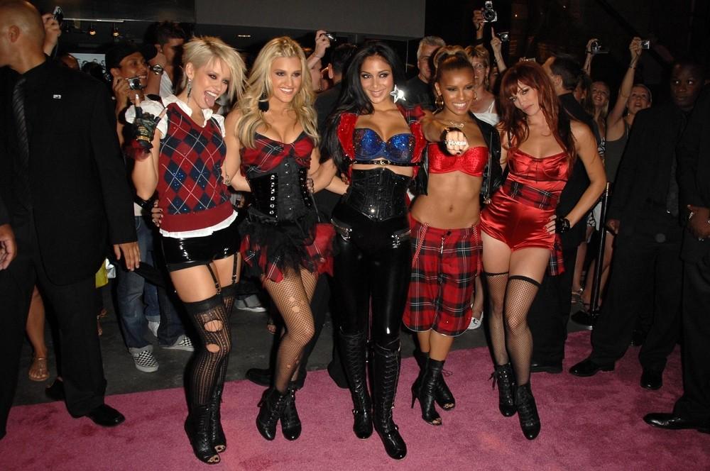 Воссоединение The Pussycat Dolls под угрозой: в чем обвиняется Николь Шерзингер?