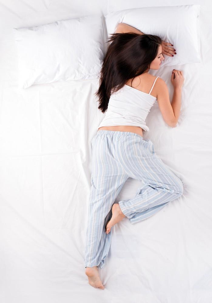 Неправильные позы для сна, которые провоцируют морщины и кошмары