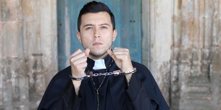 Во Франции священники-педофилы могут избежать наказания