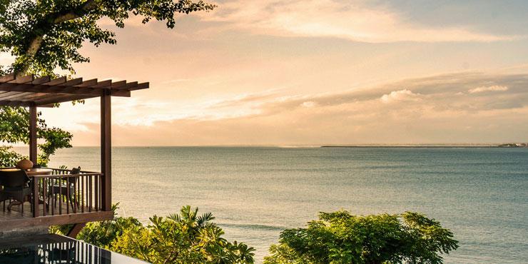 Отели Four Seasons Sayan и Jimbaran Bay на Бали